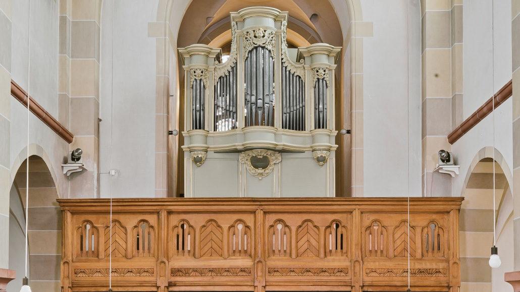 Katholische Pfarrkirche St. Martinus Swisttal-Ollheim