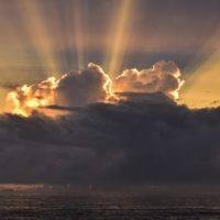 backlit-clouds-ocean-rays-1767962