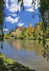 Blick über den Neckar auf Tübingen