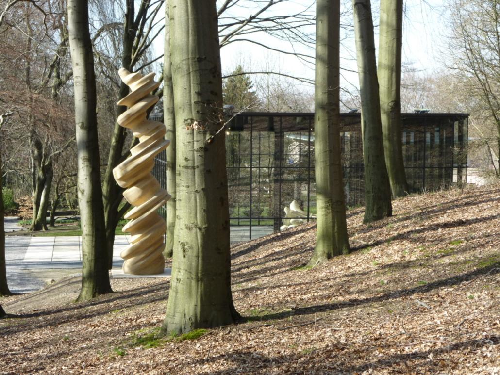 """Auf nach Wuppertal: in den Skulpturenpark Waldfrieden und in der Ausstellung """"An die Schönheit"""" im Von der Heydt-Museum."""