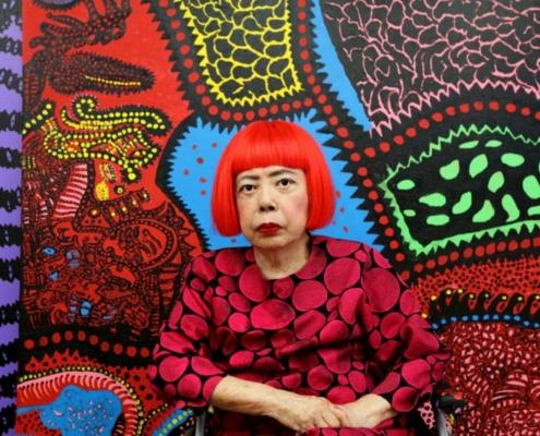 Die Künstlerin Yayoi Kusama. Zu sehen im Gropius Bau